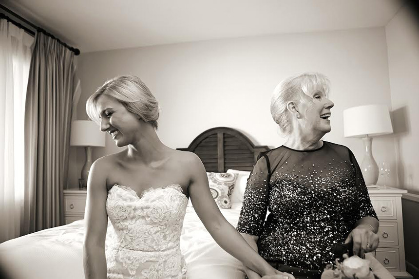10-Bride-with-mom